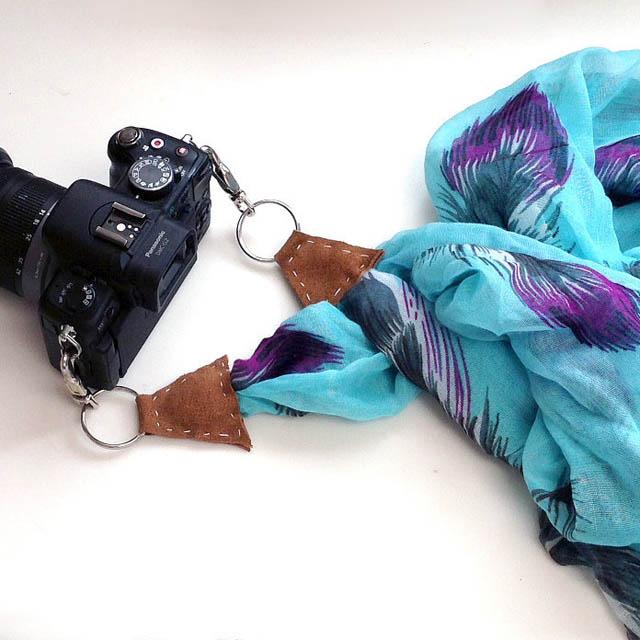 สายคล้องกล้องจากผ้าพันคอ